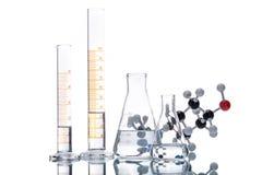 Molekülstruktur und Becher Lizenzfreie Stockfotografie