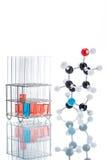 Molekülstruktur und die Flüssigkeit im Reagenzglas Lizenzfreies Stockfoto