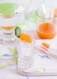 Molekylär mango-morot kaviarmatlagning Arkivfoto