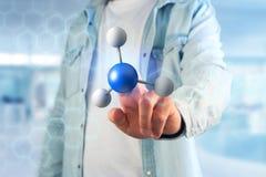 molekyl för tolkning 3d på som visas på en medicinsk manöverenhet Royaltyfri Fotografi