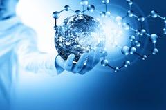Molekylar och globus i handen, molekylär läkarundersökning, ekologiabstraktion i hand Virus- och planetjord Molekyl och atomer stock illustrationer