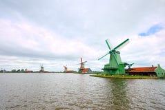 Molens van Zaandam, Nederland & x28; super-wijd angle& x29; stock foto