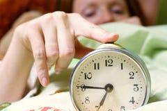 Molestar a una mujer durmiente Fotografía de archivo libre de regalías
