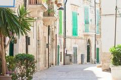 Molfetta, Apulien - beruhigende Atmosphäre in der alten Stadt von Molfett stockfotografie