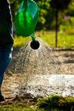 Molhando o jardim Fotos de Stock Royalty Free