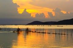 Molhe, amarele, céu, luz, lago, Foto de Stock