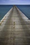 Molhe de madeira longo Imagem de Stock