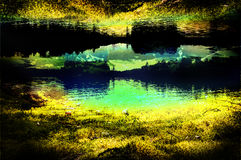 Molhe a linha de árvore lago de acampamento da reflexão da água da arte da fotografia Imagens de Stock
