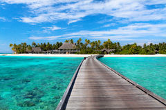 Molhe no recurso de Maldivas Foto de Stock Royalty Free