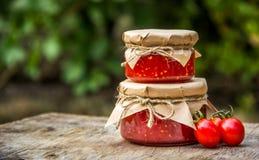 Molho de tomate caseiro delicioso Copie o espaço Molho de tomate quente Foto de Stock