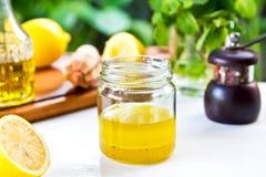 Molho do limão imagens de stock royalty free