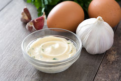Molho e ingredientes de Aioli Fotos de Stock