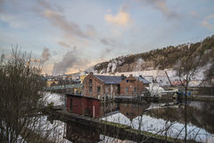 Molino de papel de Saugbrugs (centrales eléctricas de Skonningfoss) Fotos de archivo libres de regalías