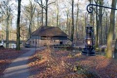 Molino de papel Veluwe en museo holandés del aire abierto en Arnhem Imagen de archivo libre de regalías