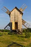 Molino de viento imágenes de archivo libres de regalías