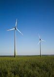 Molino de viento contra el cielo Fotos de archivo libres de regalías