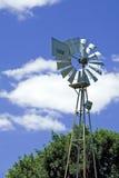 Molino de viento de la granja fotografía de archivo