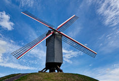Molino de viento de madera en Brujas/Brujas, Bélgica Fotos de archivo