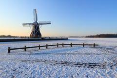 Molino de viento del invierno Fotografía de archivo libre de regalías