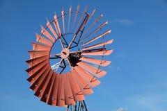 Molino de viento del país Imagen de archivo libre de regalías