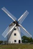 Molino de viento en Anglesey, País de Gales Imagenes de archivo