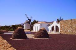 Molino de viento en Fuerteventura Imágenes de archivo libres de regalías