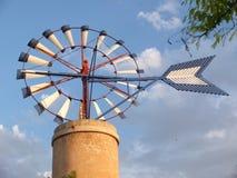 Molino de viento en la isla de Majorca en España Imagen de archivo