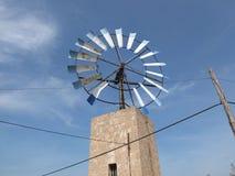 Molino de viento en la isla de Majorca en España Fotos de archivo libres de regalías