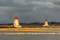 Molino de viento en Marsala Foto de archivo libre de regalías