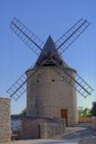 Molino de viento en Provence imágenes de archivo libres de regalías