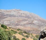 Molino de viento encima de la montaña, paisaje Fotografía de archivo