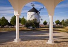 Molino de viento español Foto de archivo libre de regalías
