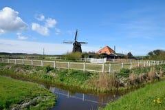 Molino de viento hermoso en Holanda Imágenes de archivo libres de regalías