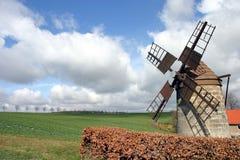 Molino de viento histórico Fotos de archivo