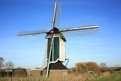Molino de viento histórico en Güeldres, los Países Bajos Imágenes de archivo libres de regalías