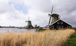 Molino de viento holandés foto de archivo