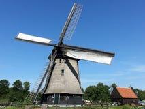 Molino de viento holandés Fotografía de archivo libre de regalías