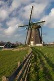 Molino de viento holandés tradicional Foto de archivo libre de regalías