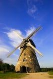 Molino de viento holandés tradicional adentro Fotografía de archivo