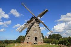 Molino de viento holandés tradicional - Alemania, Usedom, Benz Imágenes de archivo libres de regalías