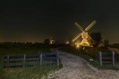 Molino de viento iluminado raro en Kinderdjik foto de archivo