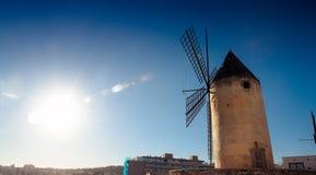 Molino de viento legendario foto de archivo libre de regalías