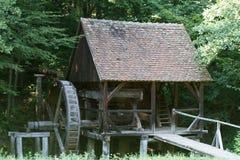 Molino de viento de madera viejo Fotos de archivo libres de regalías