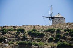 Molino de viento obsoleto en Naxos Foto de archivo libre de regalías