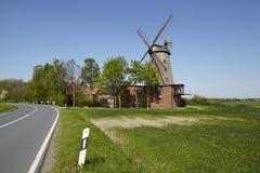 Molino de viento Ovenstaedt Petershagen, Alemania Imagen de archivo libre de regalías