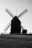 Molino de viento polaco viejo en Lednogora fotos de archivo