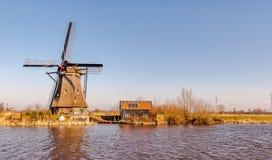 Molino de viento por la mañana Países Bajos Fotos de archivo