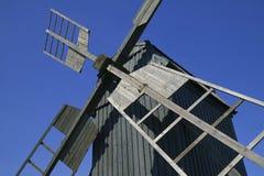 Molino de viento tradicional viejo Fotos de archivo libres de regalías
