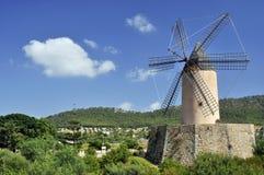 Molino de viento viejo Imagen de archivo libre de regalías