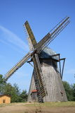 Molino de viento viejo fotografía de archivo libre de regalías